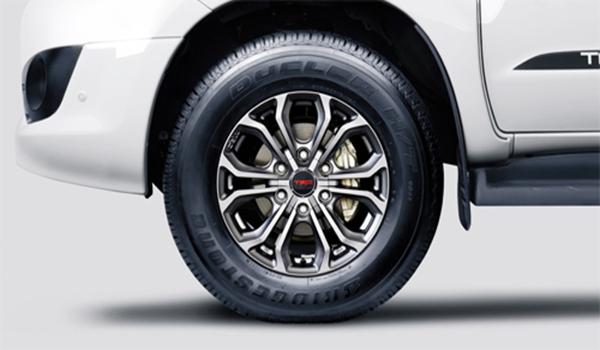 Toyota-Fortuner-TRD-(33)