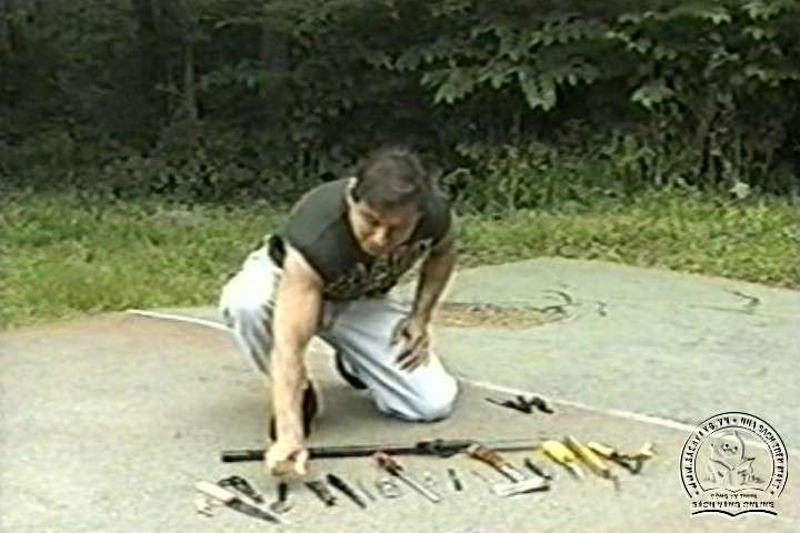 The Reality of Edged Weapons with Joe Maffei - Phương Pháp Chống Dao Thực Dụng - Picture 01
