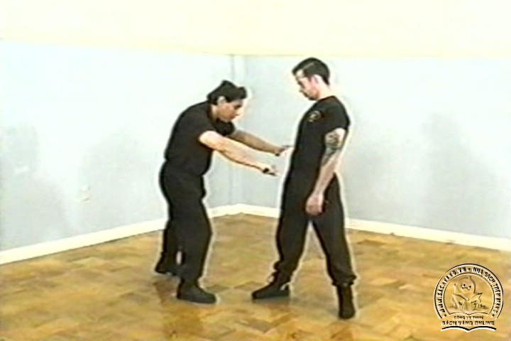 The Reality of Edged Weapons with Joe Maffei - Phương Pháp Chống Dao Thực Dụng - Picture 02