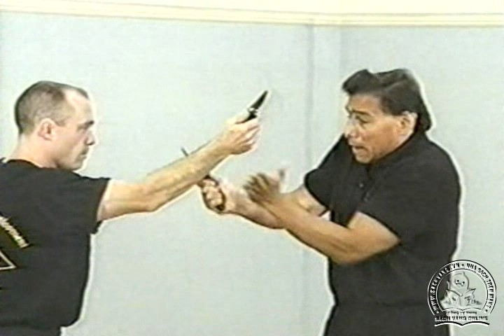 The Reality of Edged Weapons with Joe Maffei - Phương Pháp Chống Dao Thực Dụng - Picture 03
