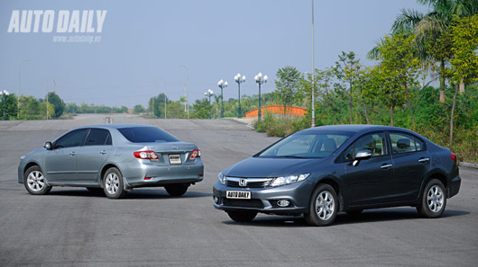 "Toyota Altis bị ""tụt hậu"" so với Honda Civic"