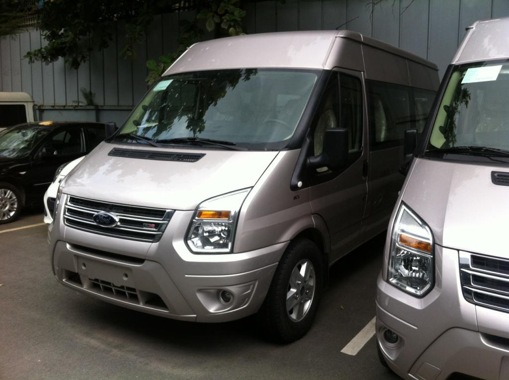 Ford Transit Luxury 2014 thiết kế mới mạnh mẽ sang trọng hơn